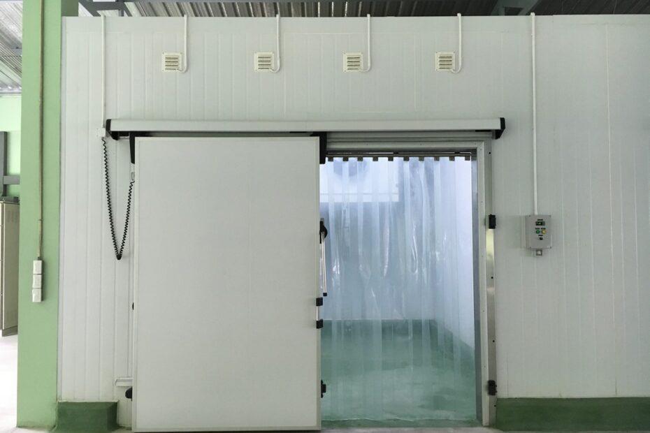 ผนังห้องเย็น isowall polyurethane pu ประตูห้องเย็น door